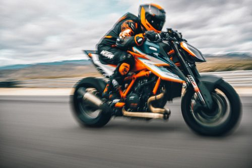 KTM trình làng siêu naked bike 1290 Super Duke RR 2021